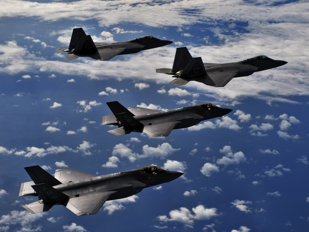 The F-22 and F-35 flying together.(USAF)