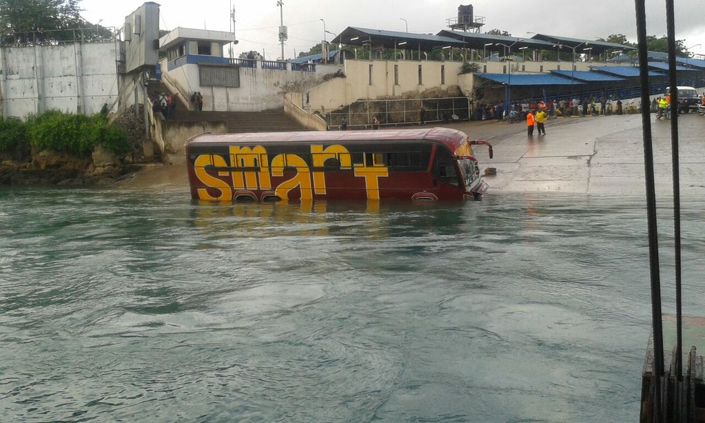 Photos Bus Plunges Into Indian Ocean At Likoni Ferry