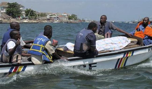 capsized-boat
