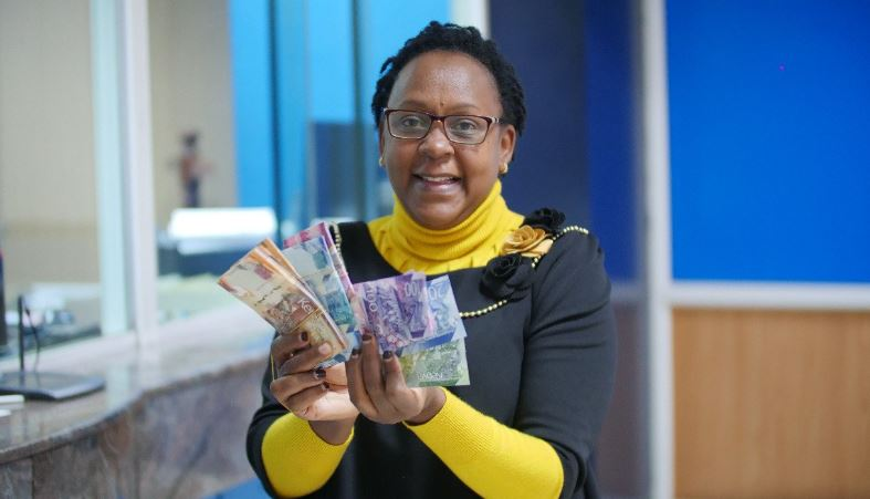 cbk1 - Banks Required to Submit Weekly Reports on Persons Exchanging Old Notes