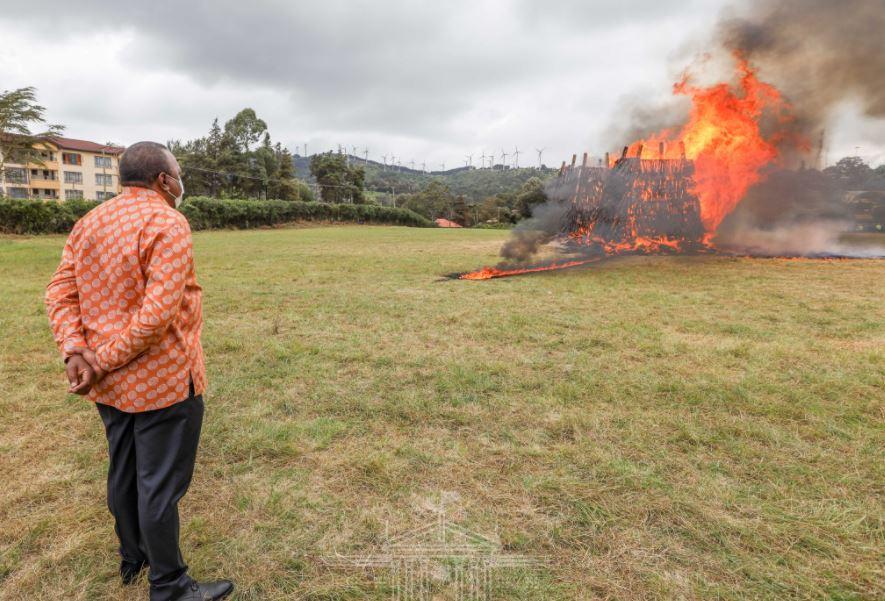 PHOTOS – President Kenyatta Burns 5,144 Illegal firearms